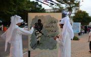 فتاة تدعم رجال الطوارئ بعمل فني واقعي بـ #مهرجان_أبها_يجمعنا