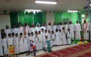مدرسة المعالي الابتدائية بأحد ثربان تستقبل 50 من الطلاب المستجدين بالورود والهدايا