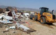 لجنة التعديات تزيل احداثات جنوب محافظة بارق