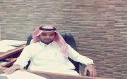 ماجد حمدان العمري يجري عملية جراحية