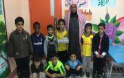 طلاب الصف الأول بمدرسة الفيحاء يحتفلون بعودة معلمهم