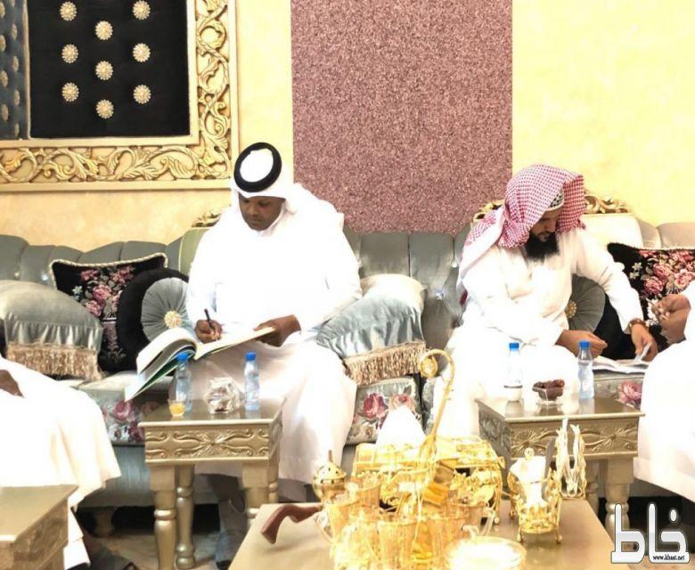 التشكيلي محمد زهير الشهري يحتفل بعقد قرانه