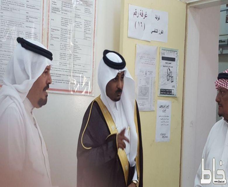 الطارقي يزور المركز الصحي بخاط