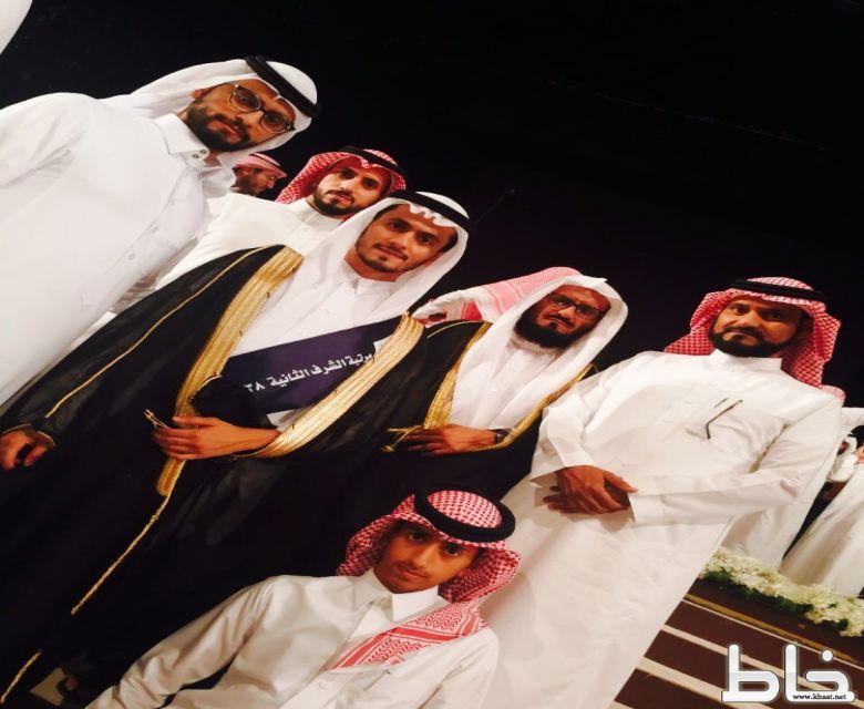 عبدالرحمن الشهري يحتفل بتخرجه من جامعة الملك سعود