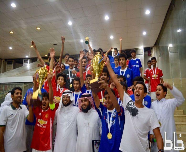 بالصور: متوسطة وثانوية الملك عبدالله بخاط أبطالاً لبطولة مكتب تعليم المجاردة