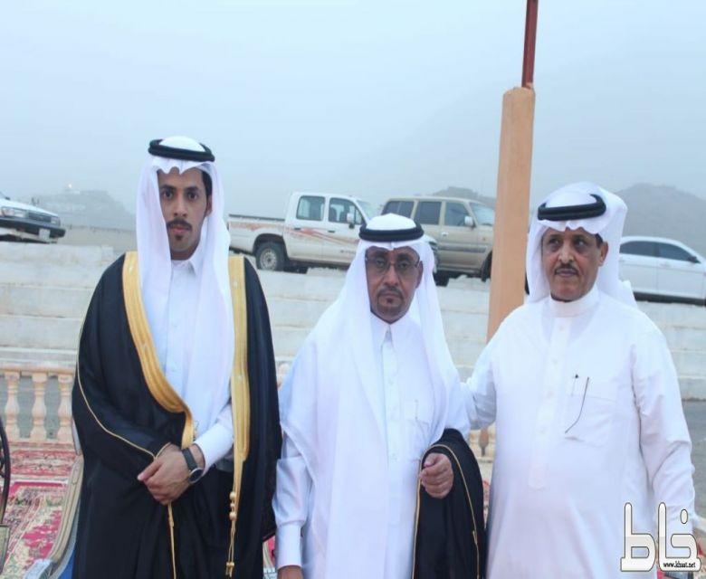 عائلة أبو سيف الصميدي يحتفلون بزفاف ابنهم محمد