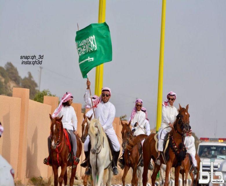 """انطلاق مسيرة فرسان النماص""""كلنا جنود سلمان"""" بالنماص"""
