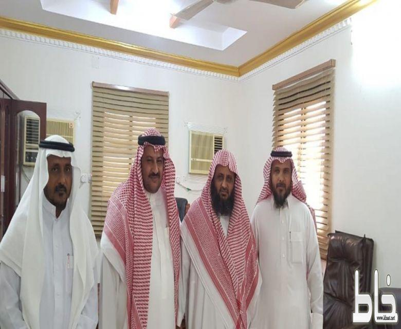 ابن خلبان يستقبل مشرف المساجد ومدير مكتب الدعوة بمركز ثربان