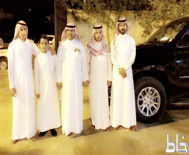 آل حديدان يكرمون ابنهم الرئيس رقباء أحمد محمد بمناسبة تقاعده