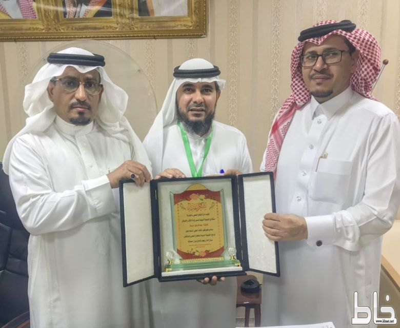 المدير العام لمجموعة فجر الشفاء يدعم التوعية الدينية بمستشفى المجاردة العام