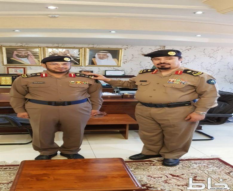 اللواء آل كاسي يقلد العميد عبدالله عايض الشهري رتبته الجديدة