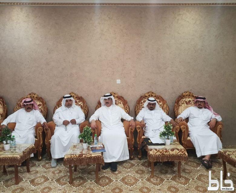 آل حموض يرأس اجتماع لجنة التنمية السياحية بالمجاردة ويناقش فعاليات المهرجان