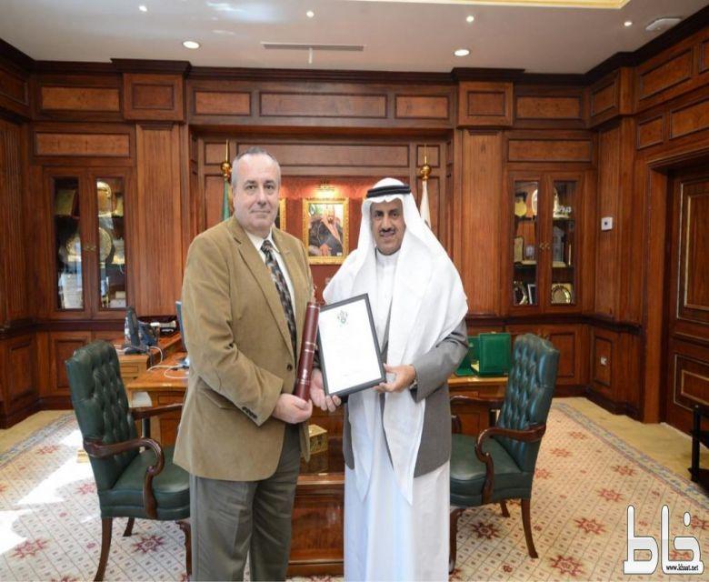 وفد من جامعة سوانزي البريطانية يزور جامعة الملك خالد