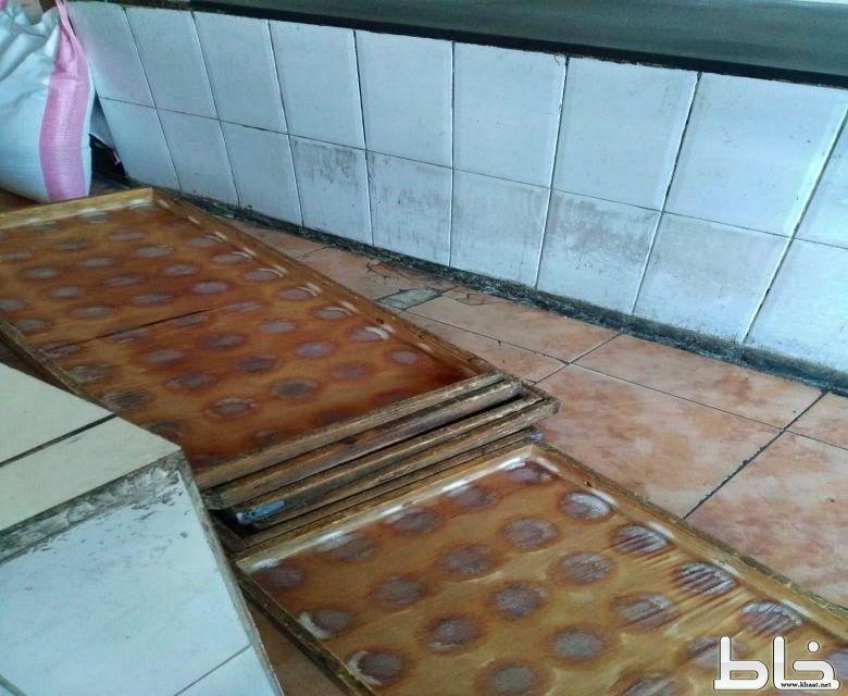 بلدية بارق تغلق مخبزين و تصادر 35 لوح خشبي