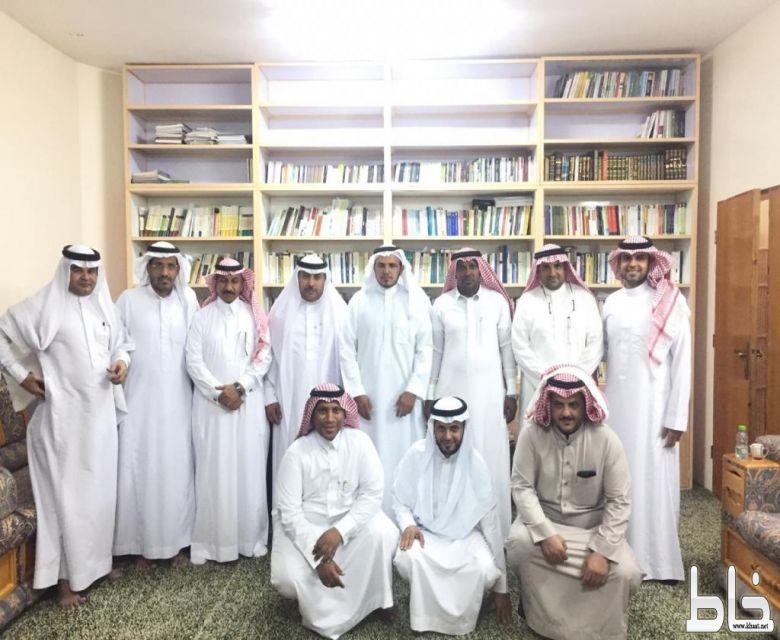 اللجنة الثقافية بمحافظة المجاردة في ضيافة الدكتور علي بن غرامة ضمن برنامج زيارة مثقف