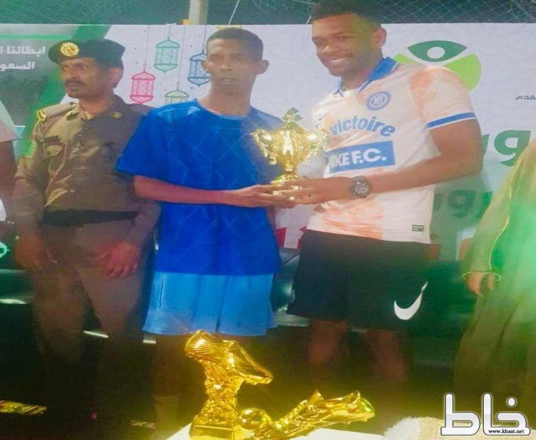 ابراهيم أبو رنة بدأ اللعب في الثالثة عشر  من عمره وانطلاقته من بطولة القحمان 2009