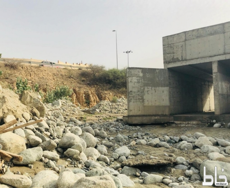 """أهالي """"قرى الغمرة"""" بمركز خاط يناشدون أمير منطقة عسير بحل معاناتهم"""