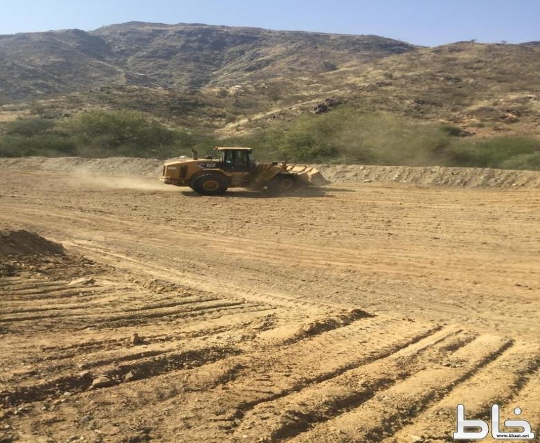 لجنة إزالة التعديات بالمجاردة تزيل التعديات والإحداثات جهة سفيان بمحافظة المجاردة
