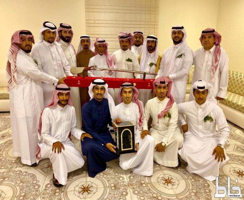عائلة آل فراج تحتفل بالاستاذ محمد فراج بمناسبة تقاعده بعد 40 عام من العطاء