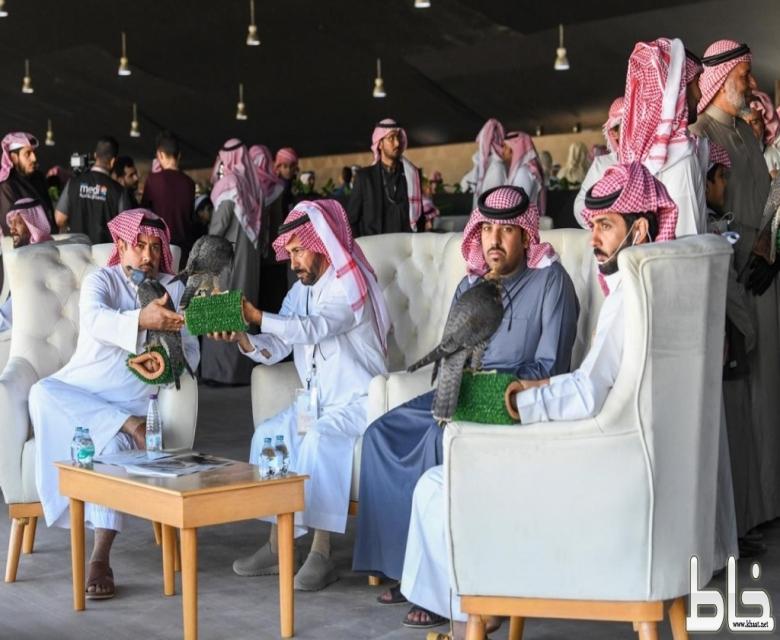 ١٥ قناة تلفزيونية تنقل مسابقات مهرجان الملك عبدالعزيز للصقور