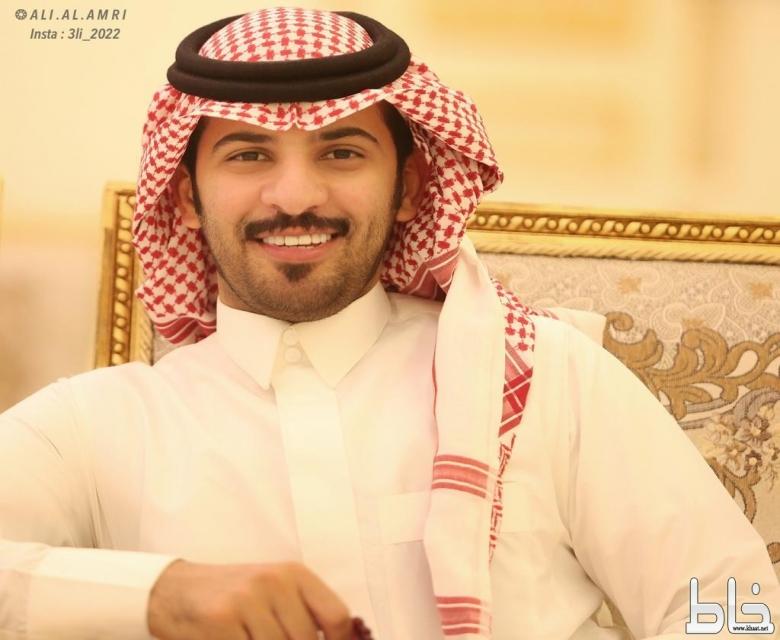 عوض الشهري يحصل على درجة البكالوريوس من جامعه الملك عبدالعزيز