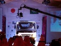بالصور: الربيعة يدشن أول سيارة نقل خفيف تصنع بالسعودية