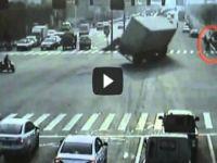 بالفيديو.. شاهد أفظع وأبشع حوادث المرور لعام 2012 حول العالم