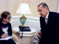 طفلة في الثامنة من عمرها تجري حوارا مع رئيس الوزراء التركي