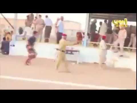 بالفيديو : لحظة استهداف جماعة #الحوثي الإيرانية بطائرة دون طيار منصة العند