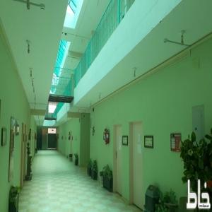 للايجار مبنى فرع جامعة الملك خالد سابقا بمحافظة المجاردة