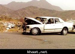 إصابة 7 طلاب في تصادم سيارتين ببارق