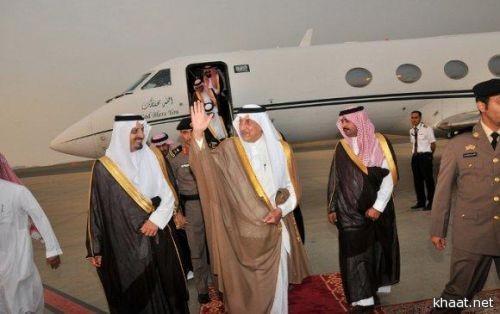 الأمير خالد الفيصل يصل أبها وسط حضور كبير من مسؤولي وأهالي المنطقة