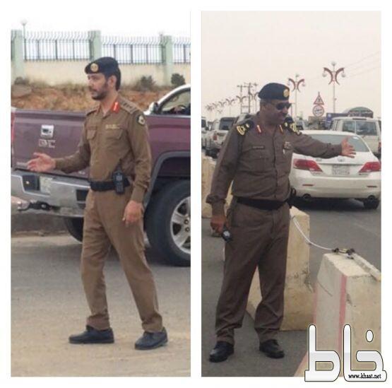 مديرا الشرطة والمرور يقفان على تنظيم حركة سير منتزه السودة