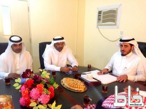 """""""البناوي""""يناقش إنشاء مستشفى جامعي ببارق ويشدد على تسهيل حركة المرور أمام الجامعة"""