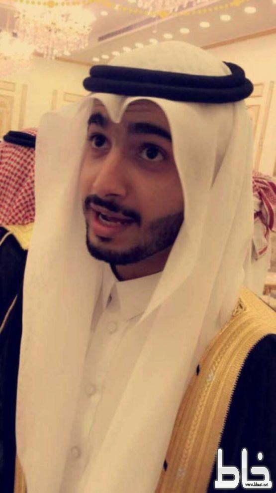 عبد الرحمن خضير يحتفل بتخرجه من جامعة الملك عبد العزيز