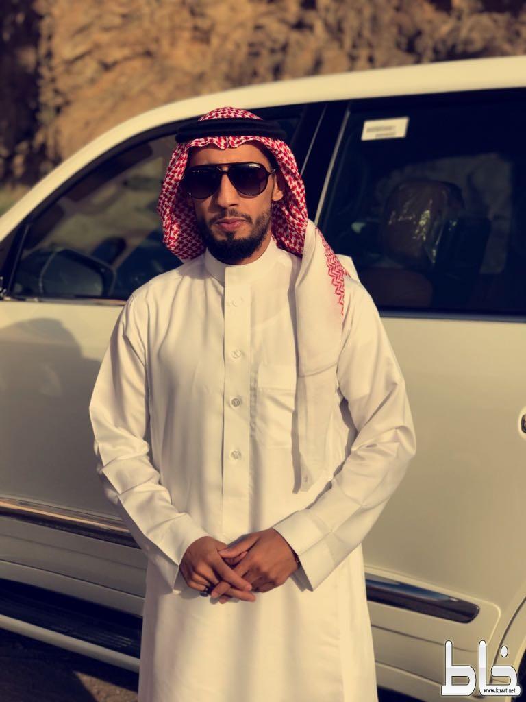 الدكتور ماشي بن صاحب العمري يحتفل بتخرج ابنه مصعب