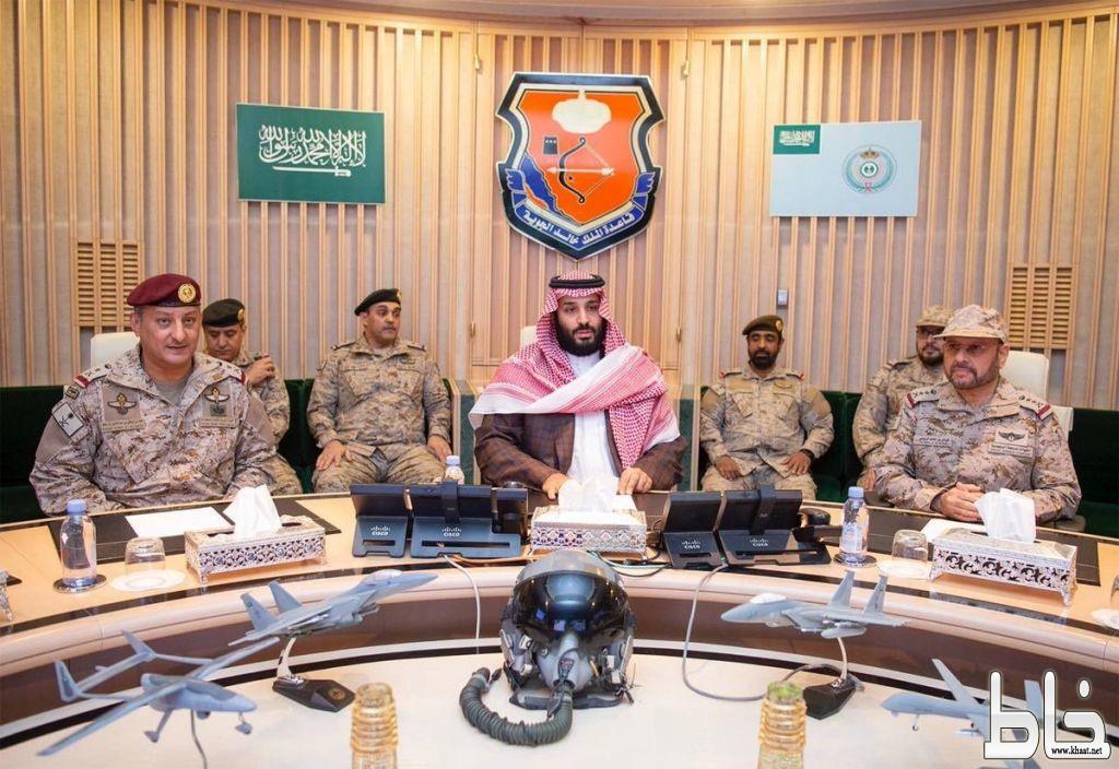 سمو ولي العهد يزور القوات العسكرية في المنطقة الجنوبية