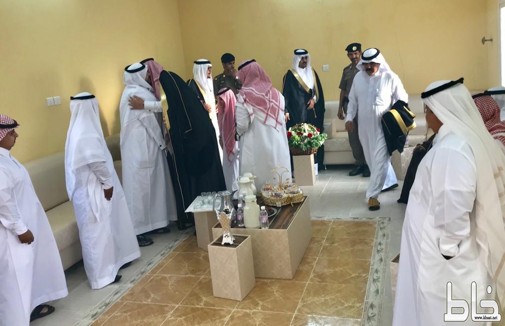 الطارقي يستقبل المهنئين بالعيد من مشائخ ونواب وجمع من الأهالي