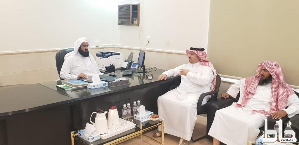 محافظ المجاردة يزور فرع الهيئة وإدارة المساجد بالمجاردة