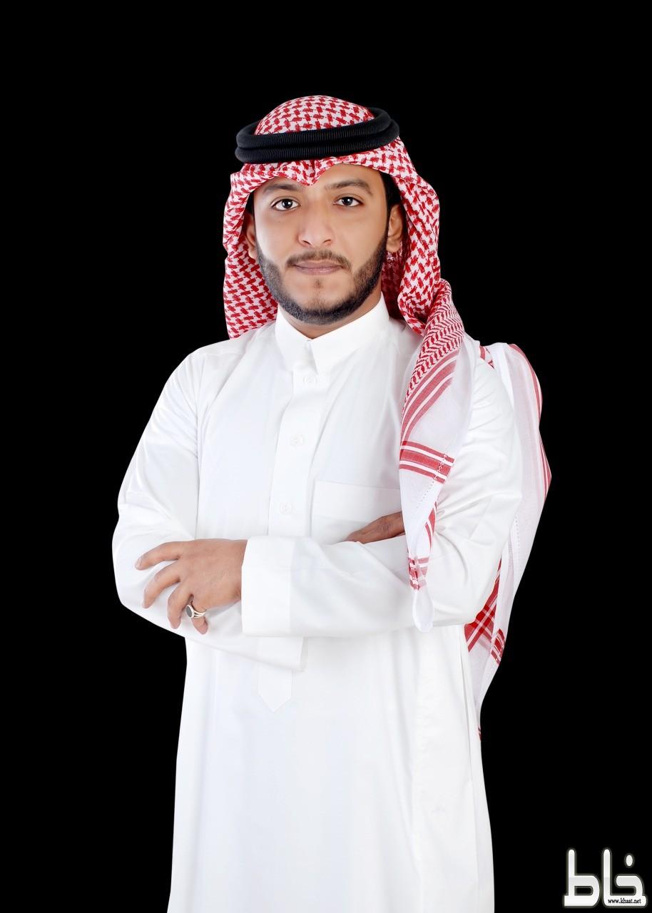 الاستاذ محمد فتحي الموريس يحصل على درجة البكالوريوس في اللغة الانجليزية