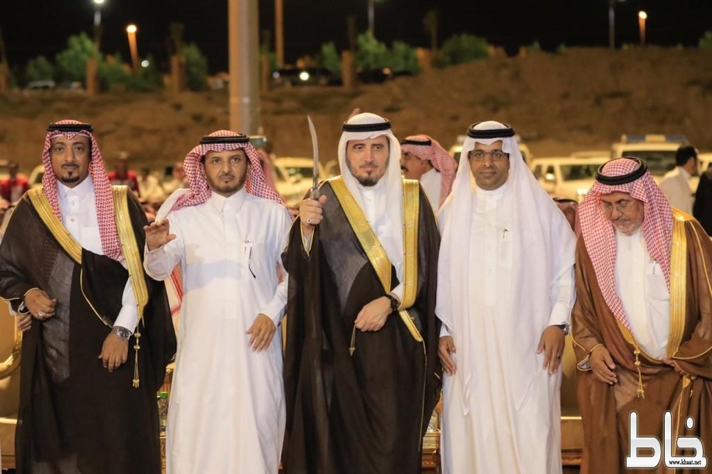 أهالي مركز ثلوث المنظر يشعلون مهرجان بارق بالفنون الشعبية والشيلات
