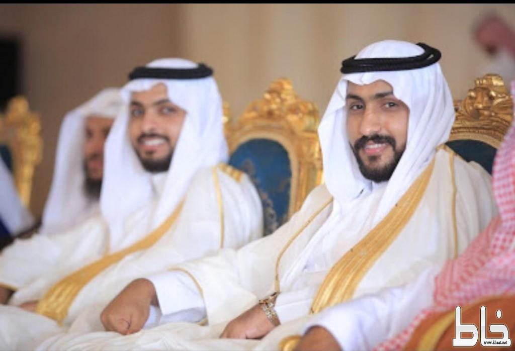 الشابين عبدالرحمن واحمد الشهري يحتفلان بزواجهما في جدة