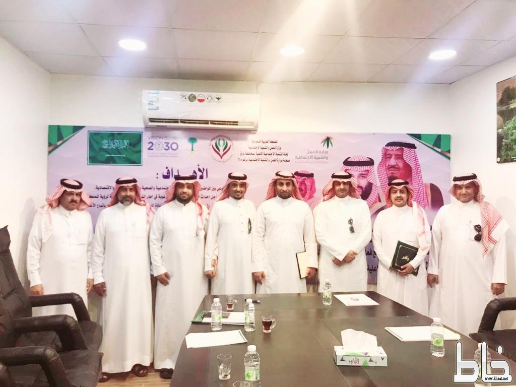 مشرف اللجان بمركز التنمية الإجتماعية في رجال ألمع يتفقد لجنة محافظة بارق