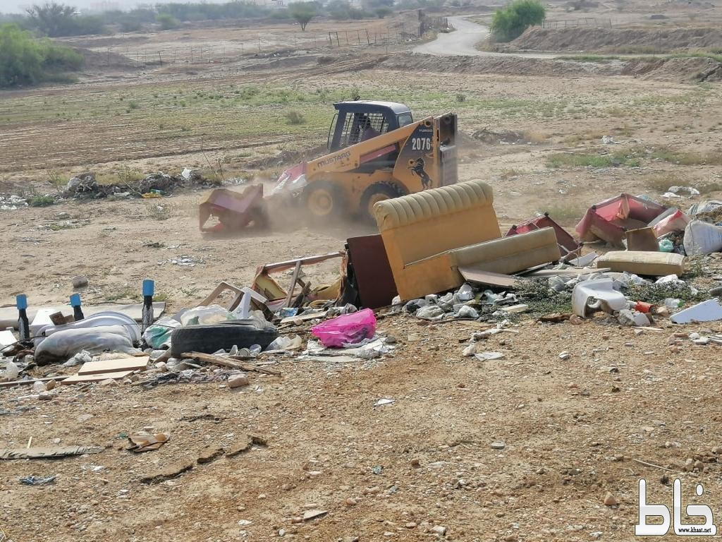 بلدية بارق تعالج التشوهات البصرية و تزيل ٤٩ سيارة تالفة و مهملة