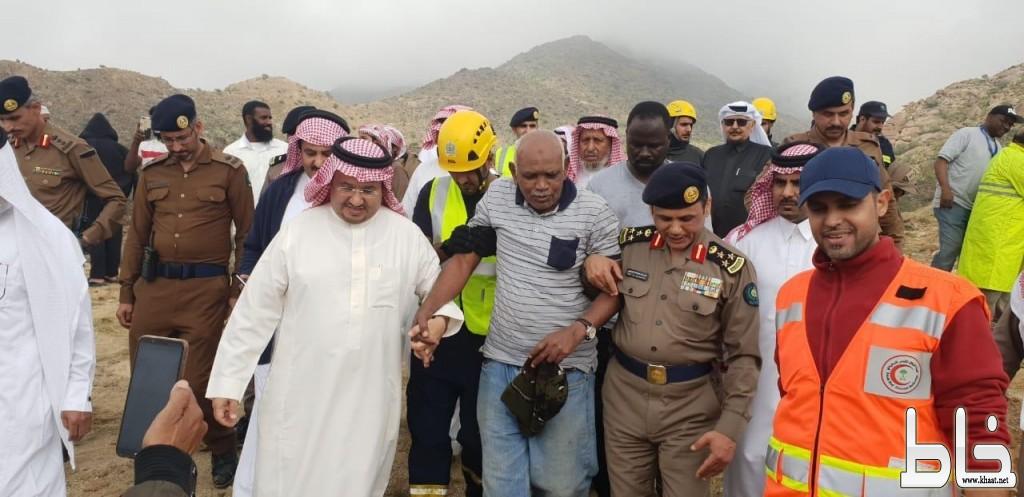 الأمير تركي بن طلال يشكر فرق الانقاذ  الميدانية وجميع المشاركين في عمليات البحث عن قائد الطائرة