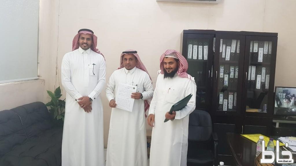 أوقاف بن ثالبة الخيرية توقع عقد شراكة مجتمعية مع وحدة وزارة البيئة والمياه والزراعة بقناء والبحر