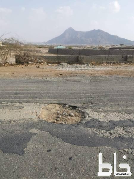 المطالبات بتوسعة الطريق الذي يربط مركز جمعة ربيعة بمحافظة بارق