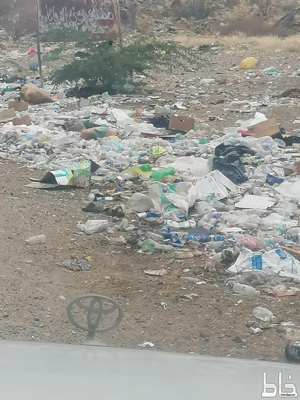 بالصور : اكوام القمامة تغرق مثلث البلقعة بمركز ثربان