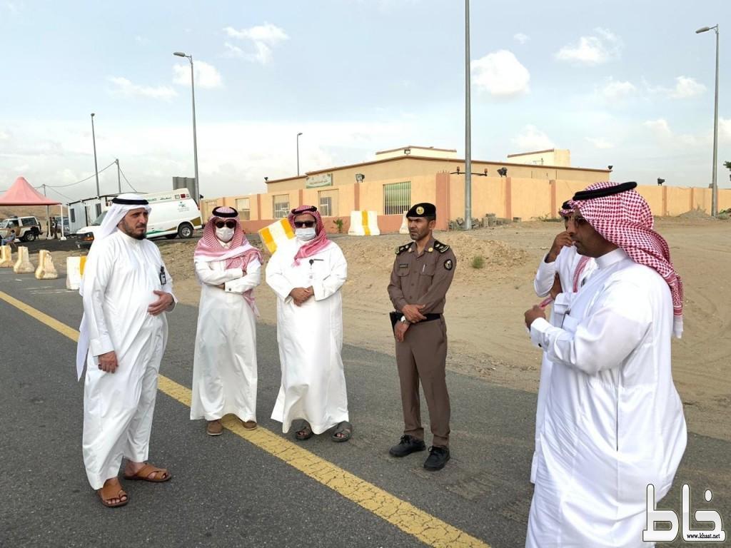 محافظ بارق و رؤساء الإدارات الحكومية يقفون على نقطة الضبط الأمني بربيعة