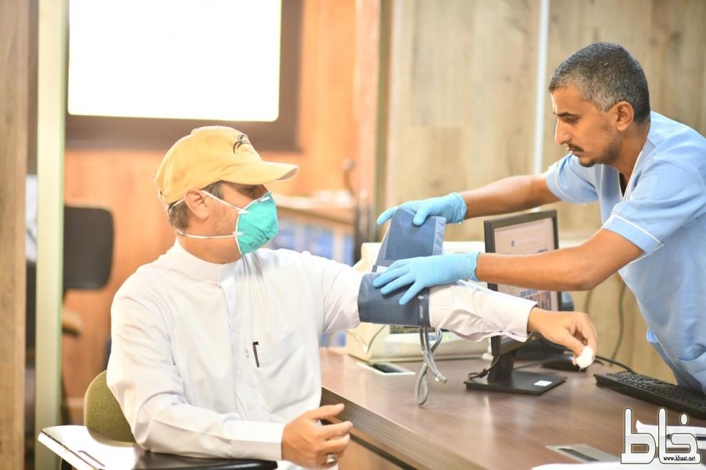 تحت شعار « دمي فداء لوطني» فريق قمم السعودية للهايكنج بمحافظة المجاردة يتبرع بالدم  .